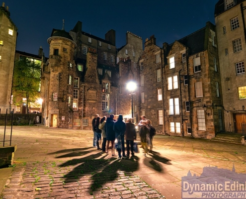 this image represents a group of students taking part in Sullivan's Study Abroad in Scotland program
