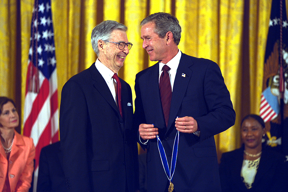 the real Mister Rogers receives medal