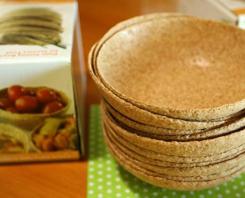 this photo shows edible bowls manufactured by Munch Bowls