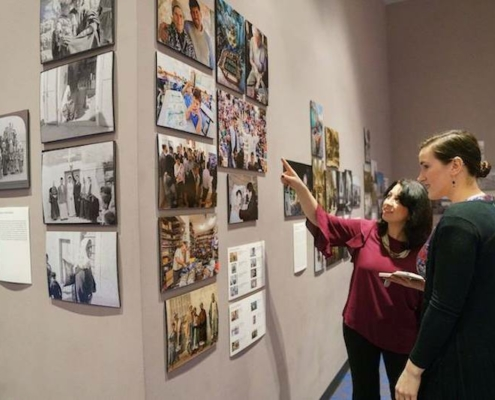 This photo shows Fakhira Halloun viewing exhibits at the Museum of the Palestinian People, which she helped found.